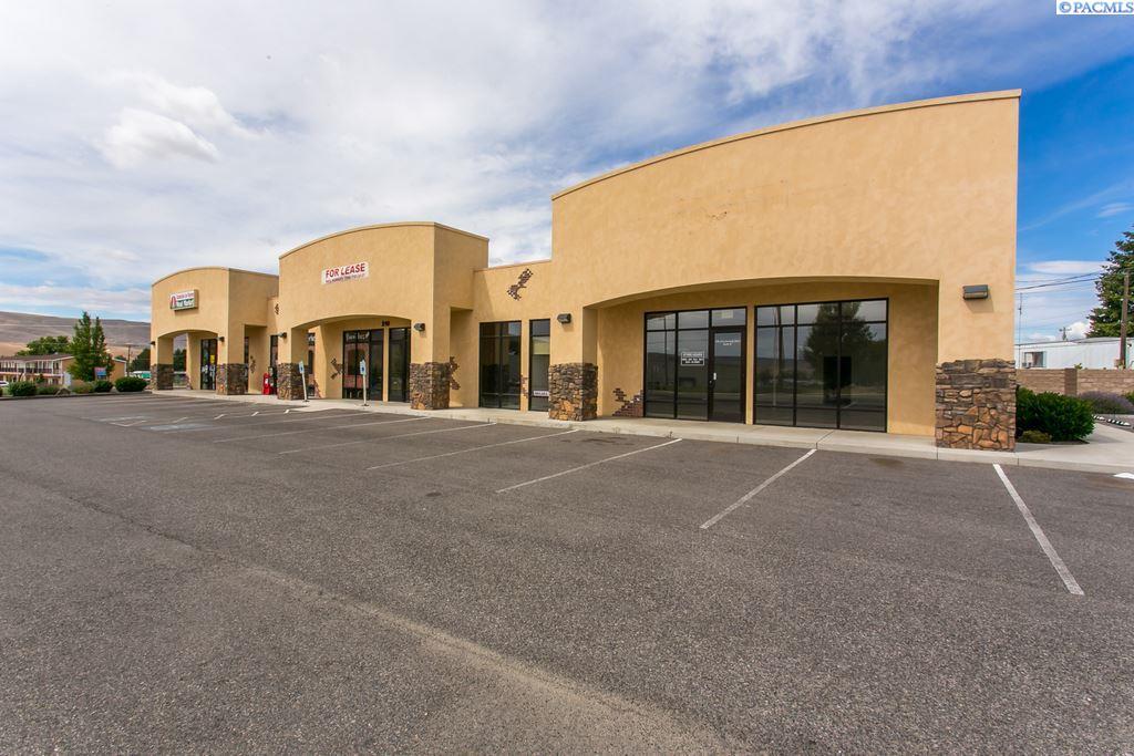Retail for Sale at 210 Chardonnay Avenue #c 210 Chardonnay Avenue #c Prosser, Washington 99350 United States