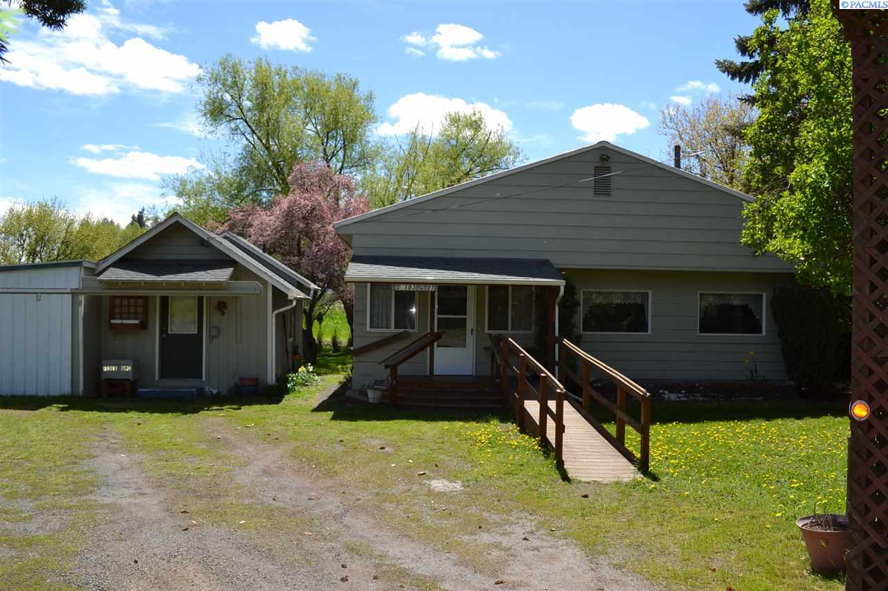Single Family Home for Sale at 103 S G Street 103 S G Street Albion, Washington 99163 United States