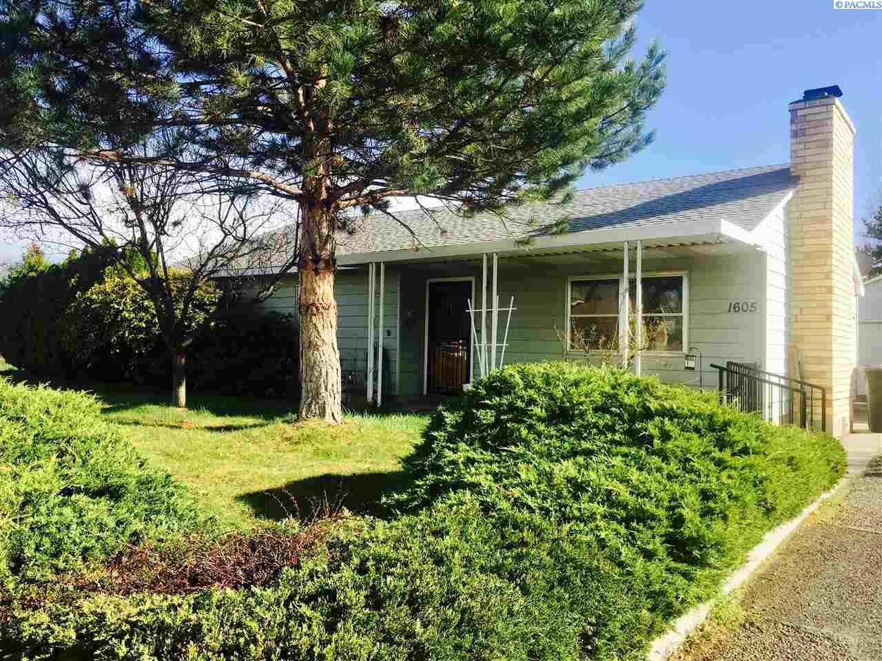 1605 Van Giesen Street, Richland, WA 99354