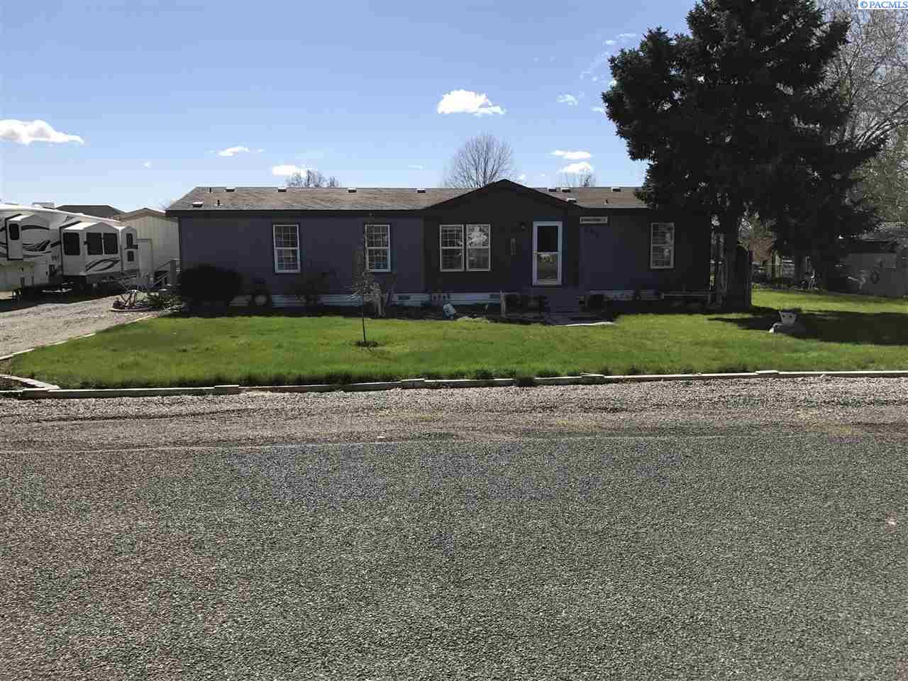 196 Largent Rd, Burbank, WA 99323