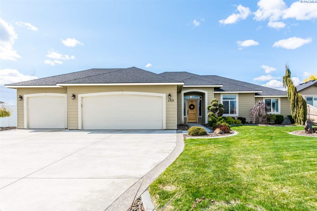 1711 Ironwood, West Richland, WA 99353
