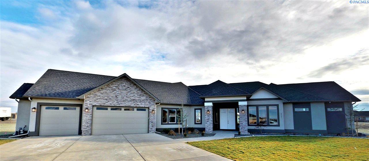 Single Family Home for Sale at 6521 Eagle Crest Dr 6521 Eagle Crest Dr Pasco, Washington 99301 United States