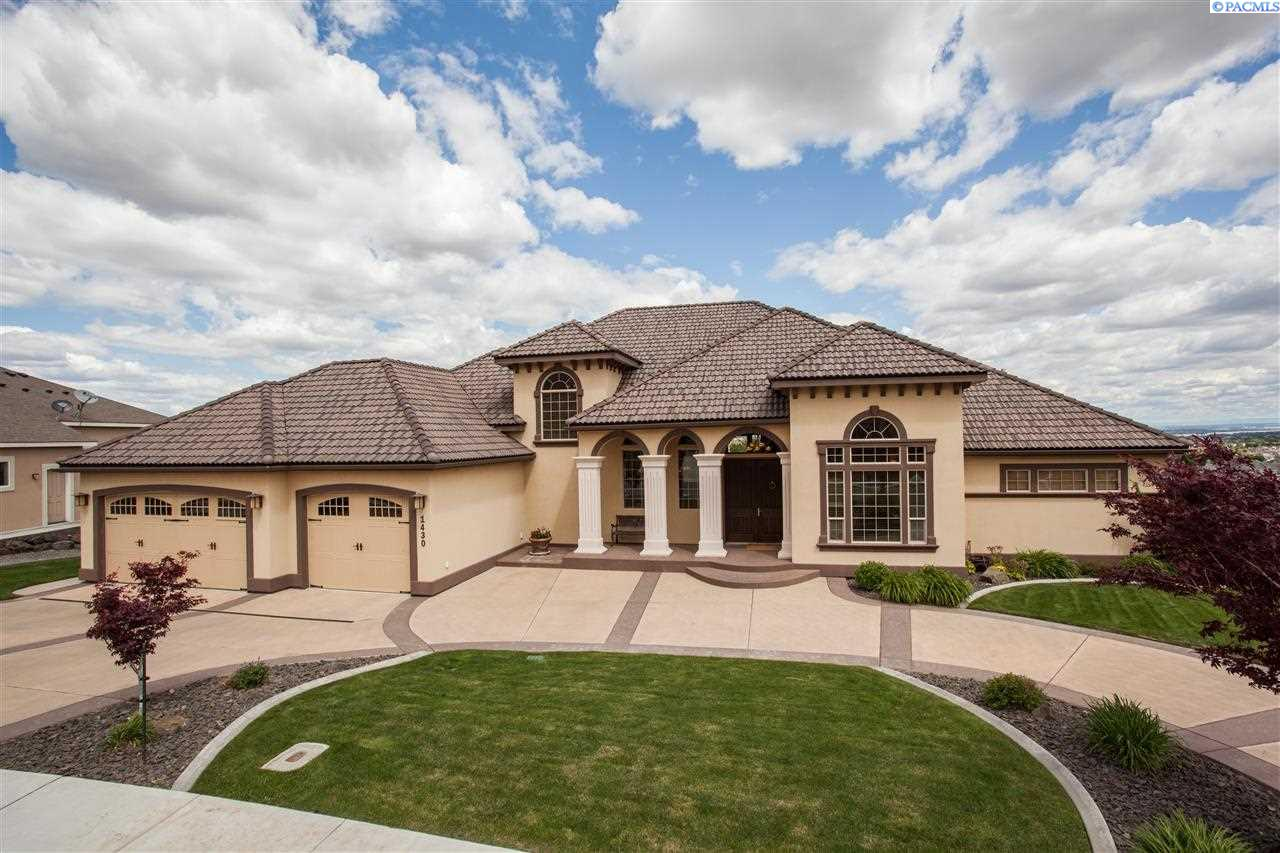 Single Family Home for Sale at 1430 White Bluffs Street 1430 White Bluffs Street Richland, Washington 99352 United States