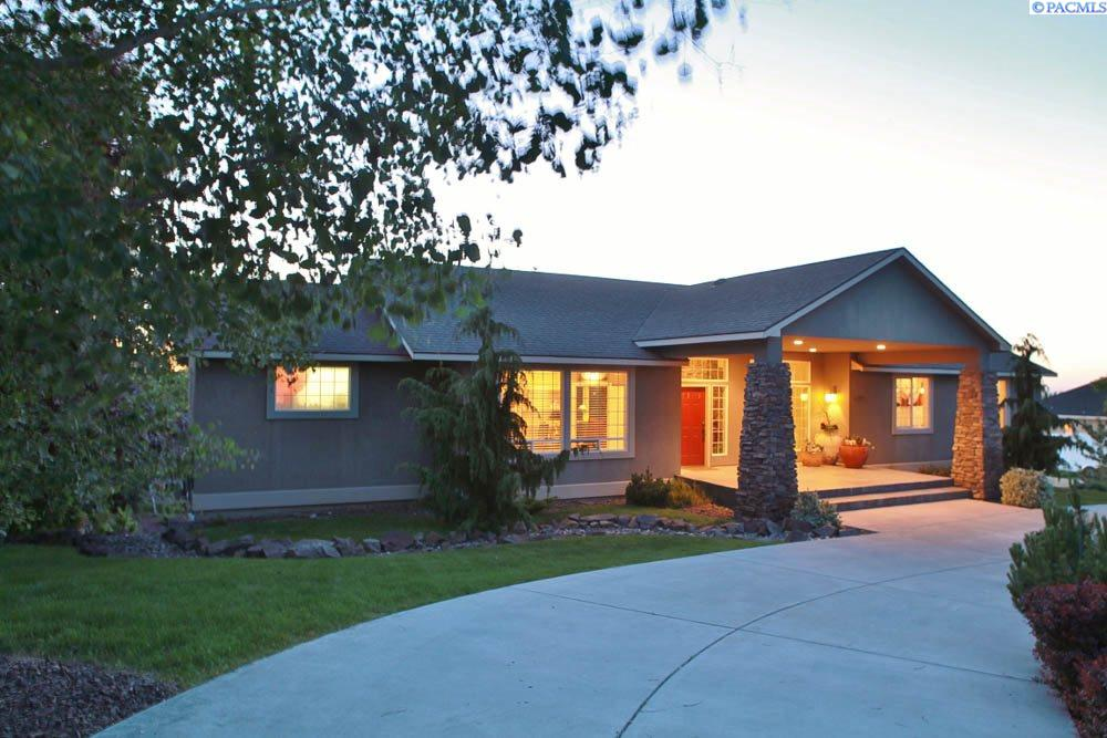 Single Family Home for Sale at 1249 Country Ridge Drive 1249 Country Ridge Drive Richland, Washington 99352 United States