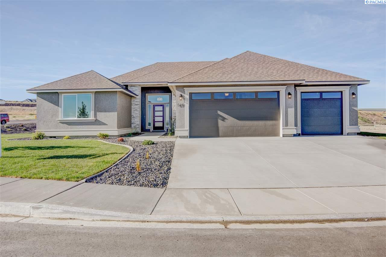 539 Athens Dr, West Richland, WA 99352