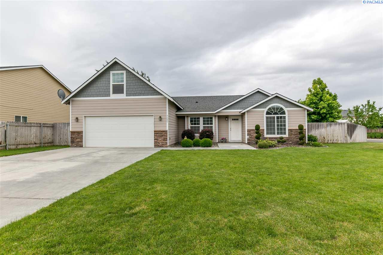 5605 Maui Ct, West Richland, WA 99353