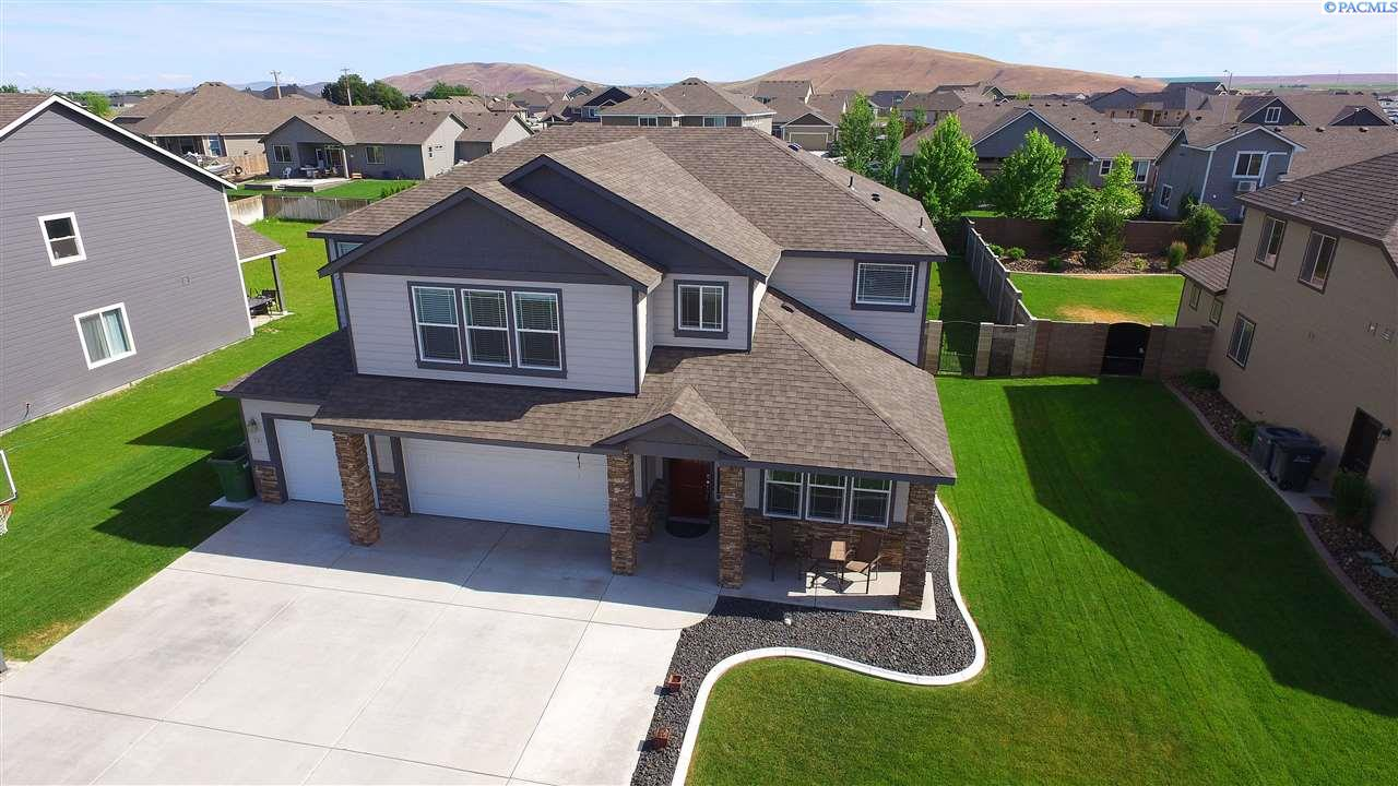 731 Pinnacle Dr., West Richland, WA 99353
