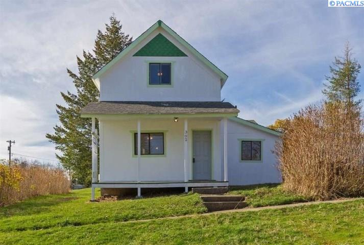 Single Family Home for Sale at 302 N 4th 302 N 4th Oakesdale, Washington 99158 United States