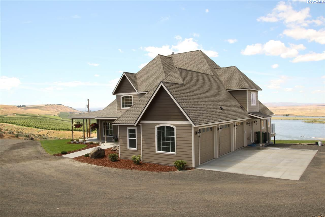 Single Family Home for Sale at 5190 W Fir Rd. 5190 W Fir Rd. Pasco, Washington 99301 United States