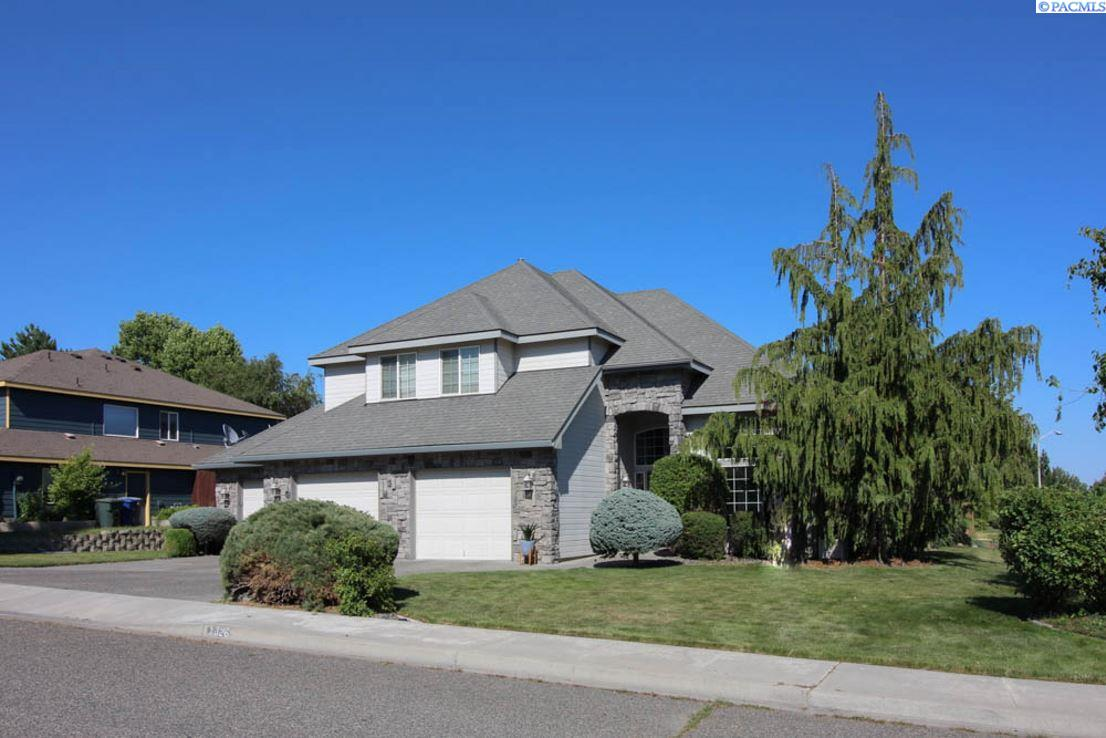 1326 Brookwood Avenue, Richland, WA 99352