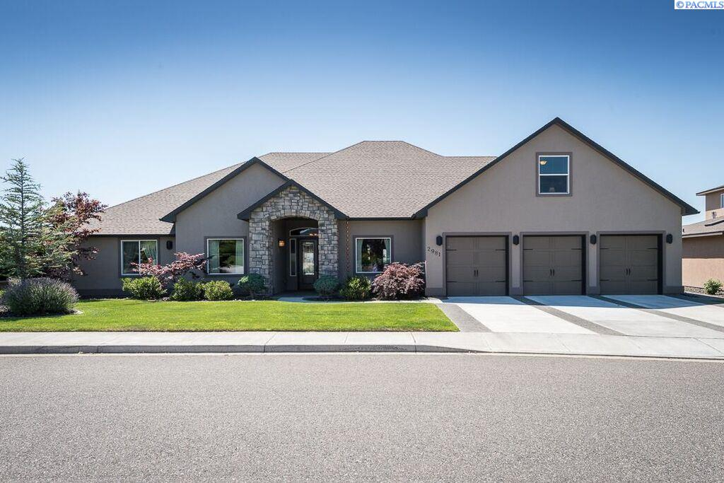 Single Family Home for Sale at 2981 RIVERBEND Drive 2981 RIVERBEND Drive Richland, Washington 99354 United States
