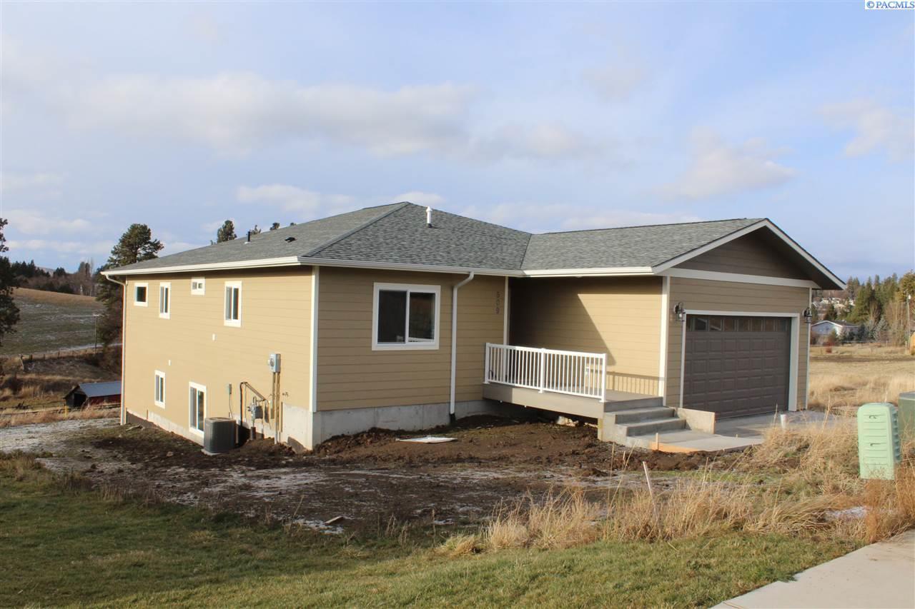 Single Family Home for Sale at 509 Harvest Loop 509 Harvest Loop Palouse, Washington 99161 United States