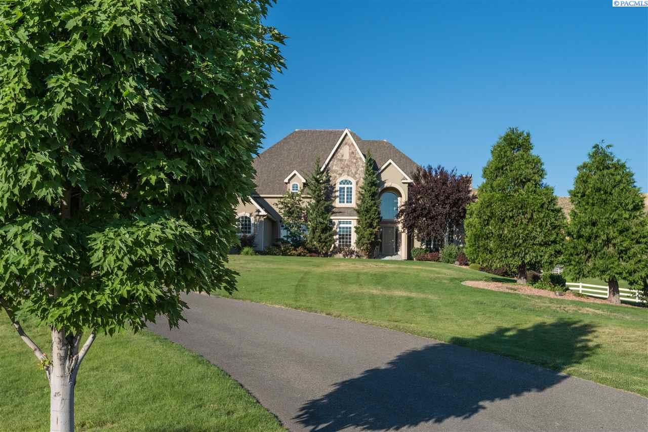 Single Family Home for Sale at 25407 S SUNSET MEADOW LOOP 25407 S SUNSET MEADOW LOOP Kennewick, Washington 99338 United States
