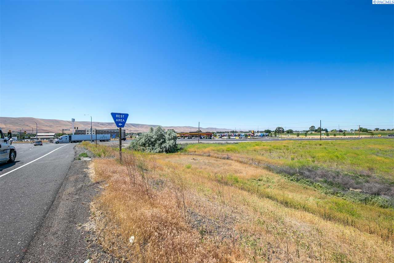 Land / Lots for Sale at 1 Nka Wine Country Road 1 Nka Wine Country Road Prosser, Washington 99350 United States