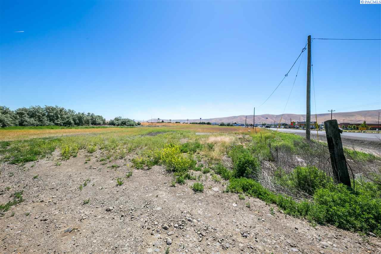 Additional photo for property listing at 2 Nka Wine Country Road 2 Nka Wine Country Road Prosser, Washington 99350 United States