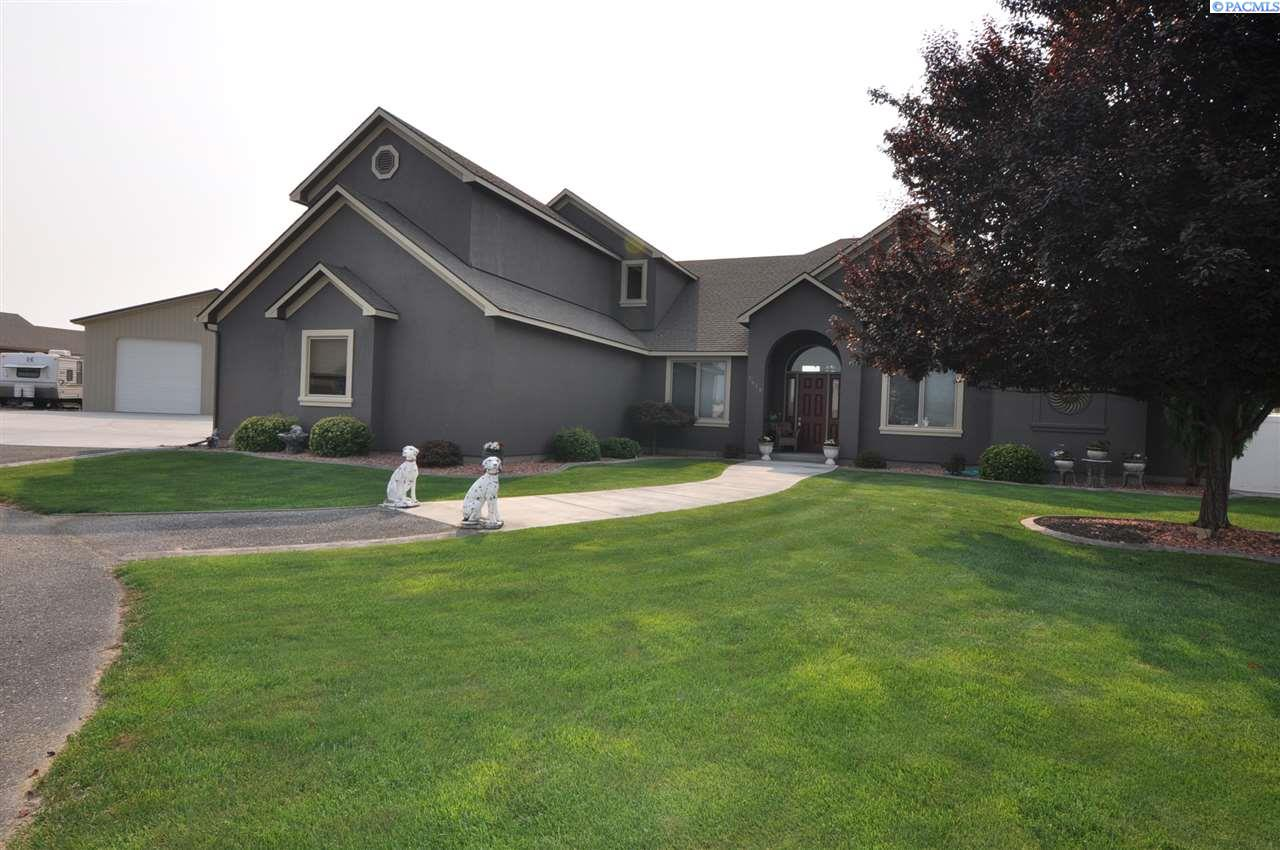 Single Family Home for Sale at 1618 N 62nd Place 1618 N 62nd Place Pasco, Washington 99301 United States