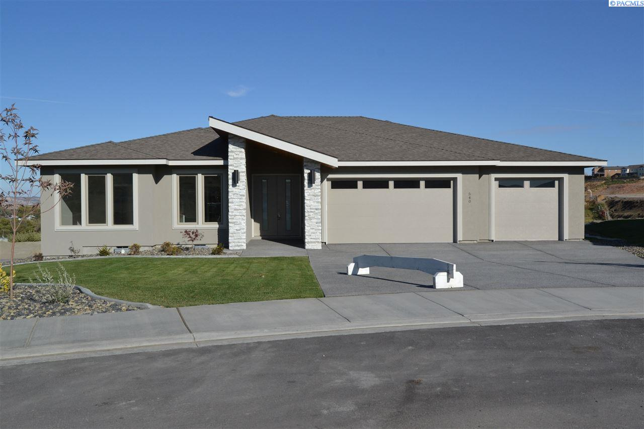 Single Family Home for Sale at 540 Athens Drive 540 Athens Drive West Richland, Washington 99353 United States