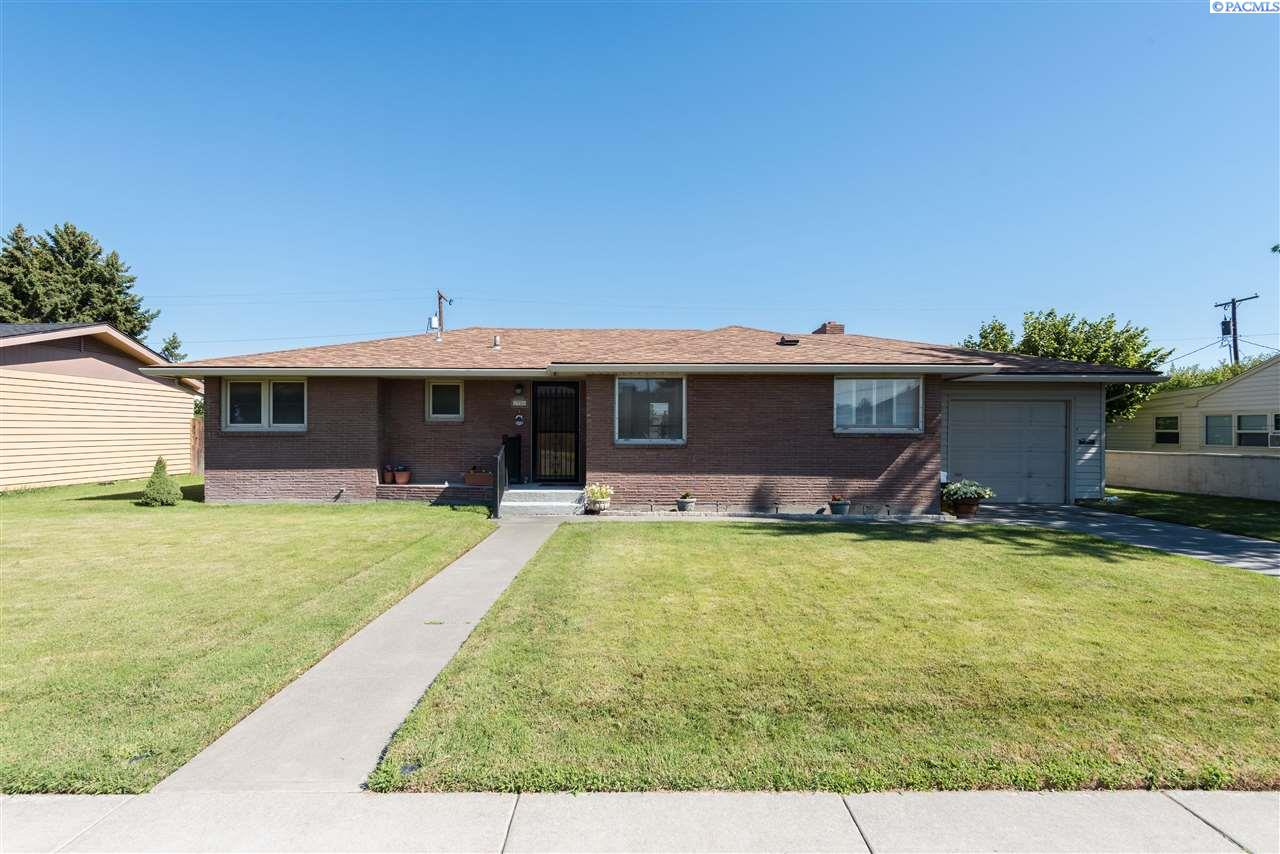 Single Family Home for Sale at 2508 W Entiat Avenue Kennewick, Washington 99336 United States