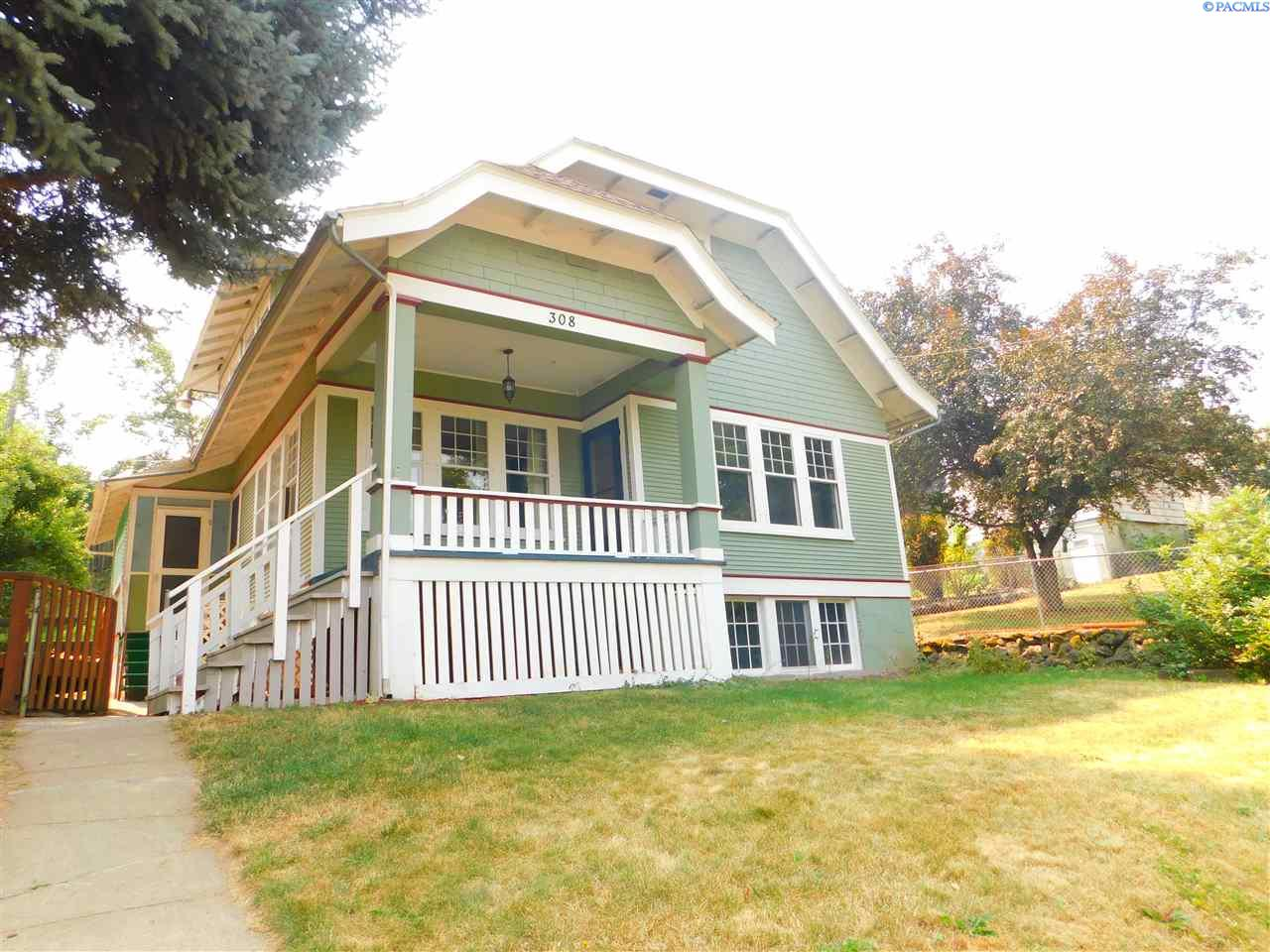 Single Family Home for Sale at 308 E James St 308 E James St Colfax, Washington 99111 United States