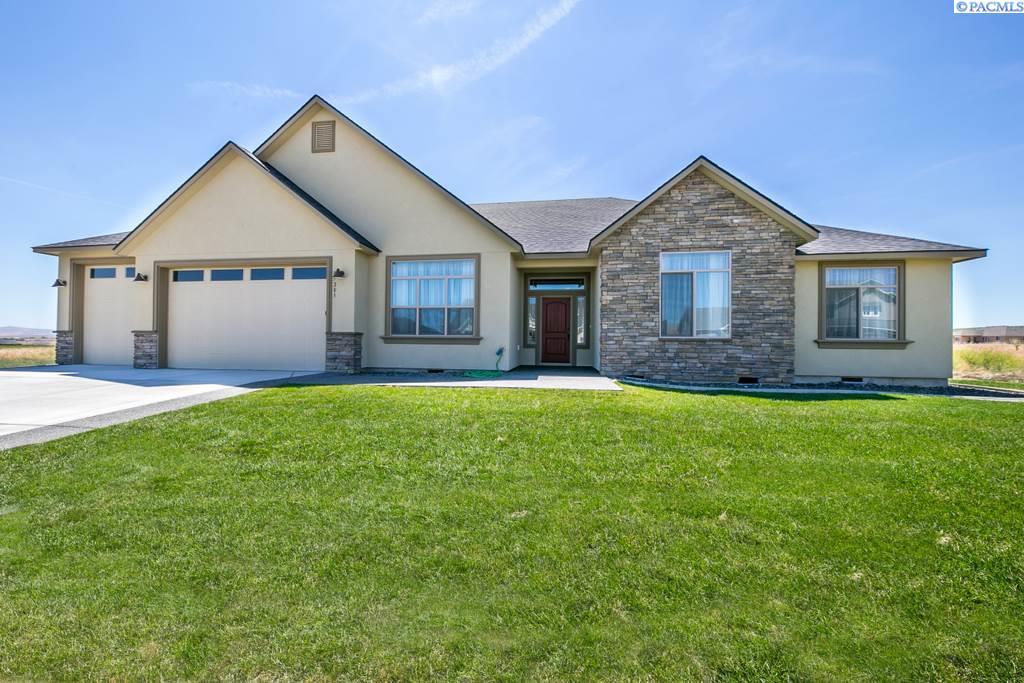 Single Family Home for Sale at 87205 E Sagebrush Road 87205 E Sagebrush Road Kennewick, Washington 99338 United States