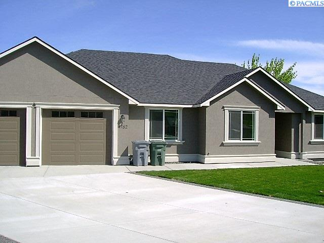 Single Family Home for Sale at 508 Athens Dr. 508 Athens Dr. West Richland, Washington 99352 United States