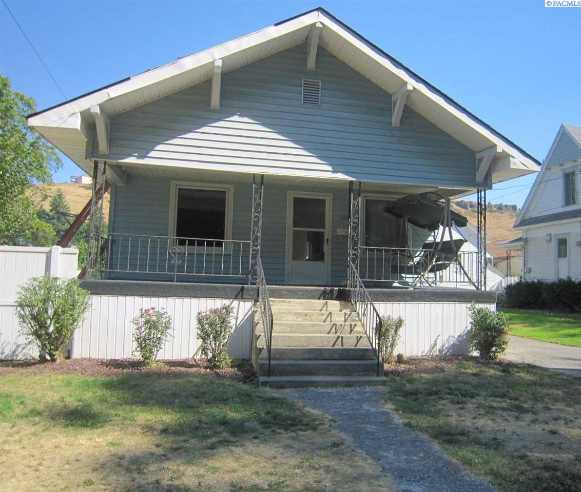 Single Family Home for Sale at 406 N West Street 406 N West Street Colfax, Washington 99111 United States