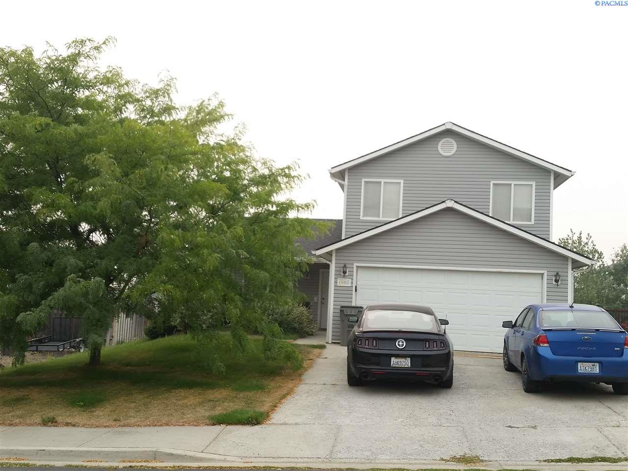 Single Family Home for Sale at 1805 NW Arcadia 1805 NW Arcadia Pullman, Washington 99163 United States