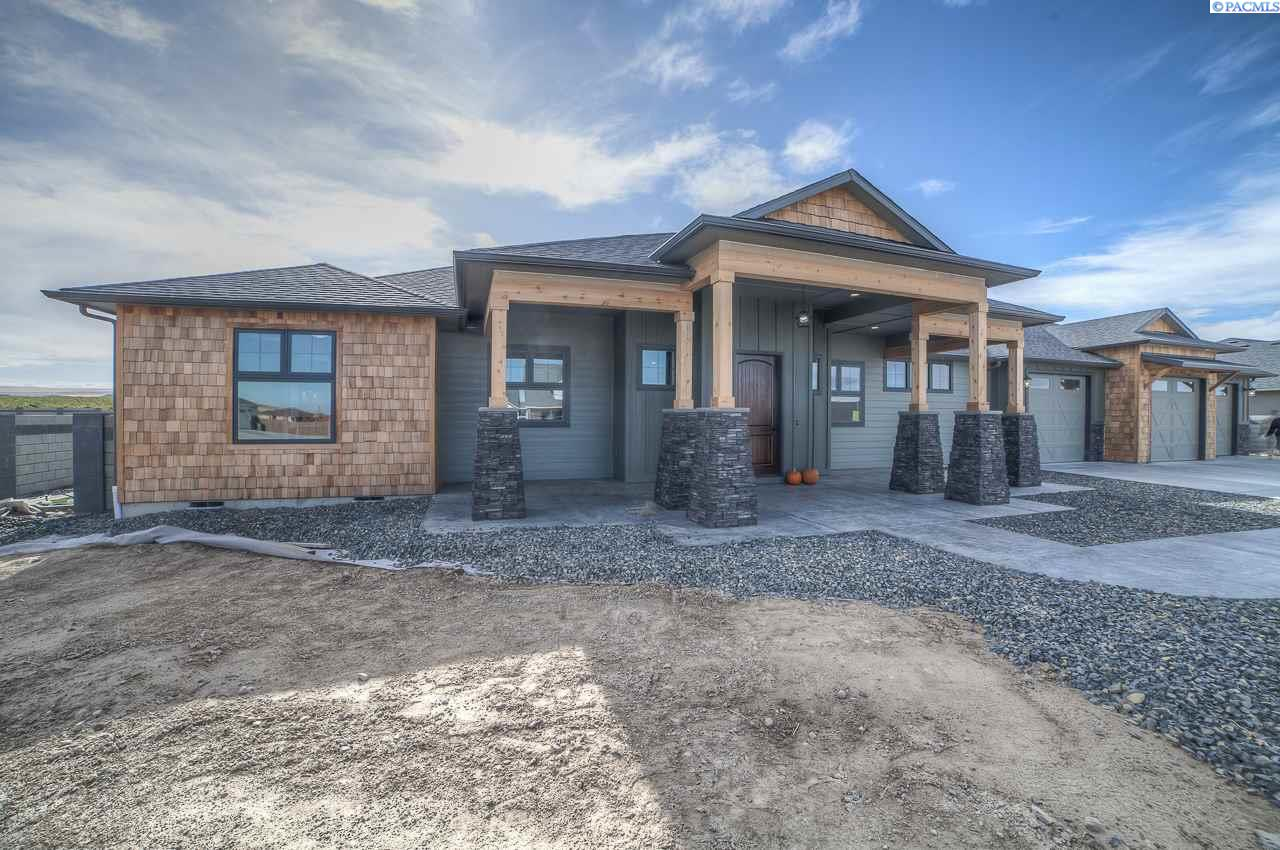 Single Family Home for Sale at 83001 E. Sagebrush Rd. Summit View Phase 10 83001 E. Sagebrush Rd. Summit View Phase 10 Kennewick, Washington 99338 United States
