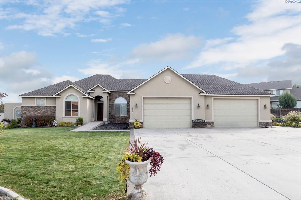 Single Family Home for Sale at 3501 S Ledbetter 3501 S Ledbetter Kennewick, Washington 99337 United States