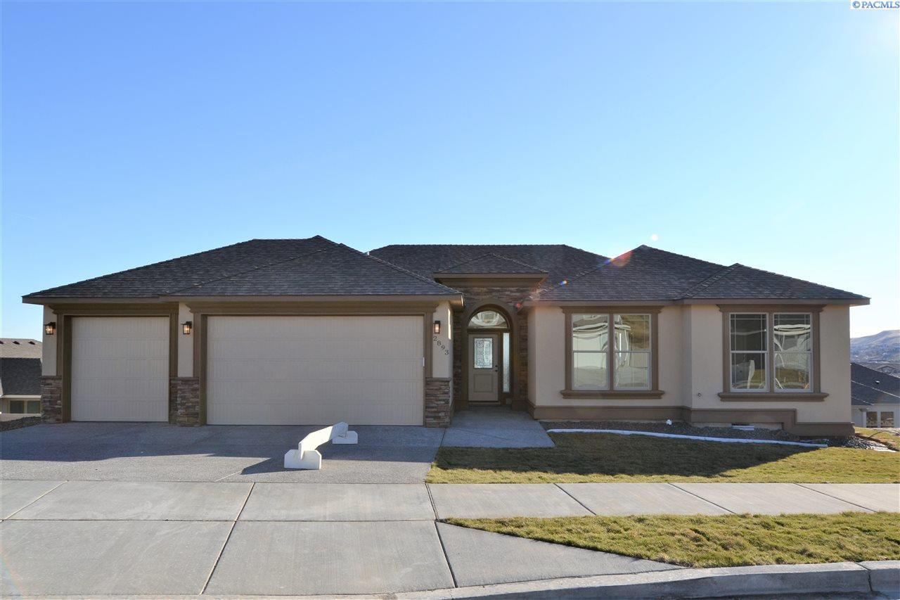 Single Family Home for Sale at 2893 S Kellogg St 2893 S Kellogg St Kennewick, Washington 99338 United States