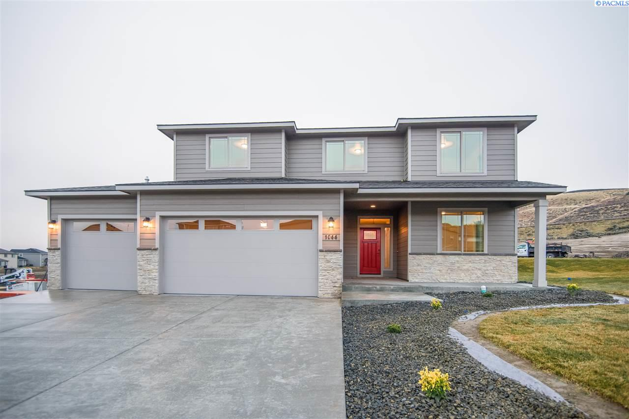 Single Family Home for Sale at 1044 Chinook Dr. 1044 Chinook Dr. Richland, Washington 99352 United States