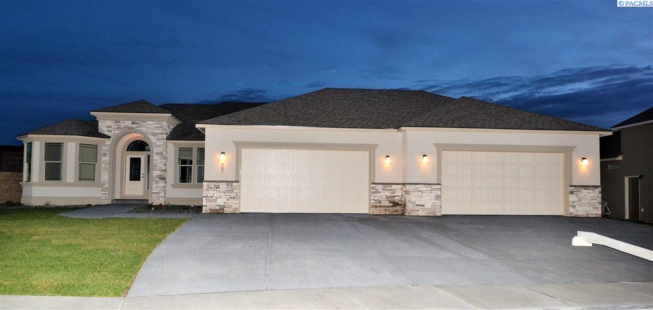 Single Family Home for Sale at 507 Athens Dr 507 Athens Dr West Richland, Washington 99353 United States