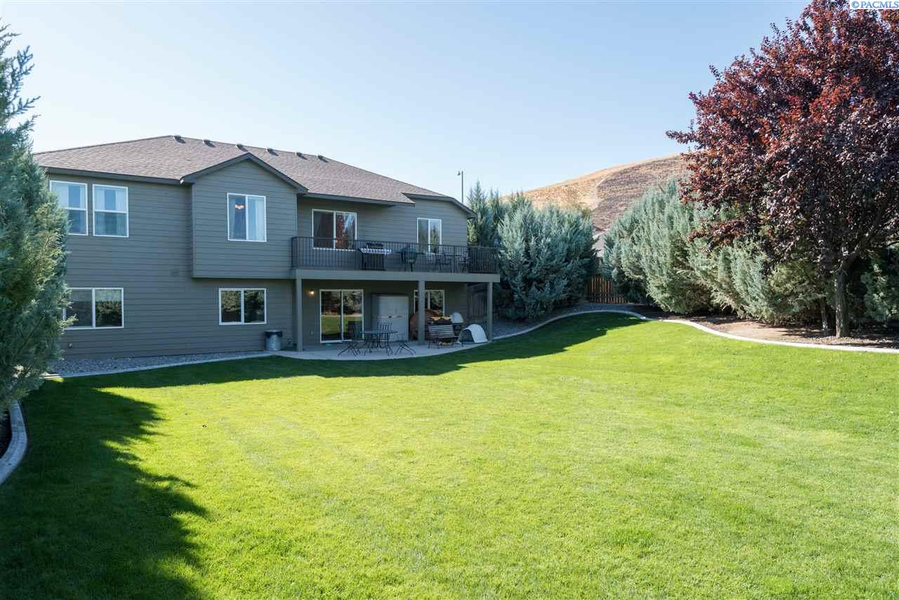 Single Family Home for Sale at 4920 Milky Way 4920 Milky Way West Richland, Washington 99353 United States