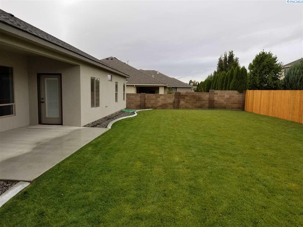 Additional photo for property listing at 3908 W 47th Avenue 3908 W 47th Avenue Kennewick, Washington 99337 United States