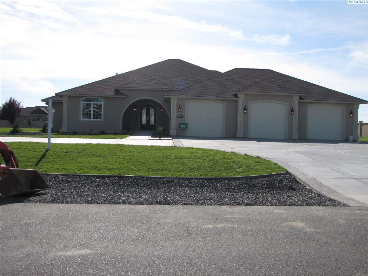 Single Family Home for Sale at 11720 Pheasant Run Road 11720 Pheasant Run Road Pasco, Washington 99301 United States