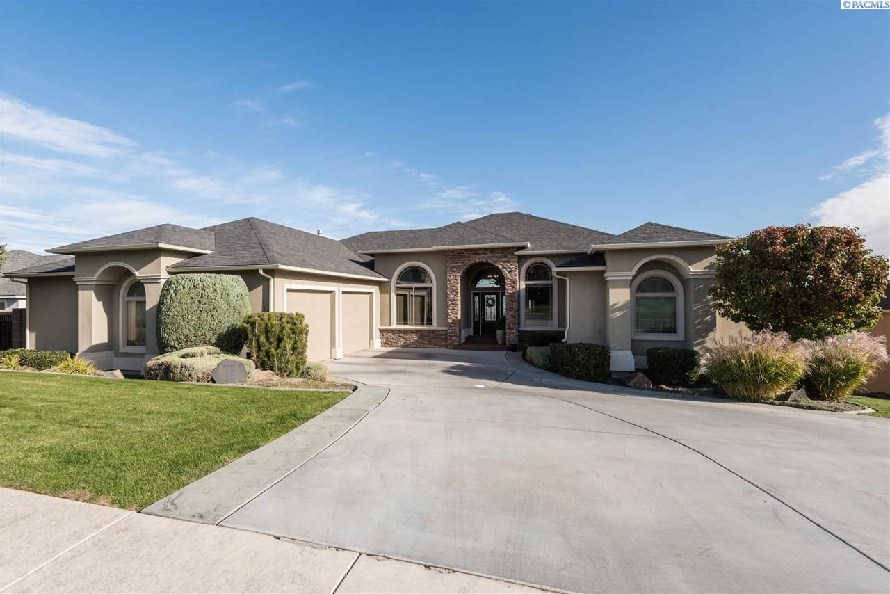 Single Family Home for Sale at 1348 White Bluffs Street 1348 White Bluffs Street Richland, Washington 99352 United States