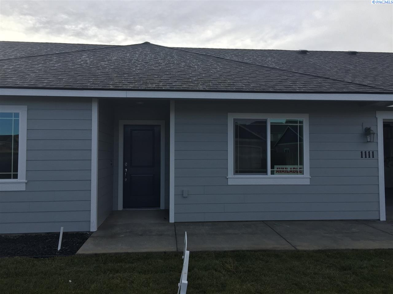 Single Family Home for Sale at 1111 W Clark Pl. 1111 W Clark Pl. Connell, Washington 99326 United States
