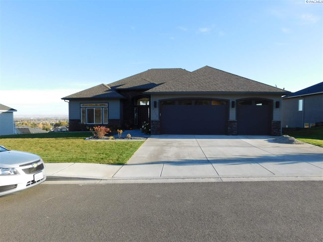 Single Family Home for Sale at 2130 W 51st Ave. 2130 W 51st Ave. Kennewick, Washington 99337 United States