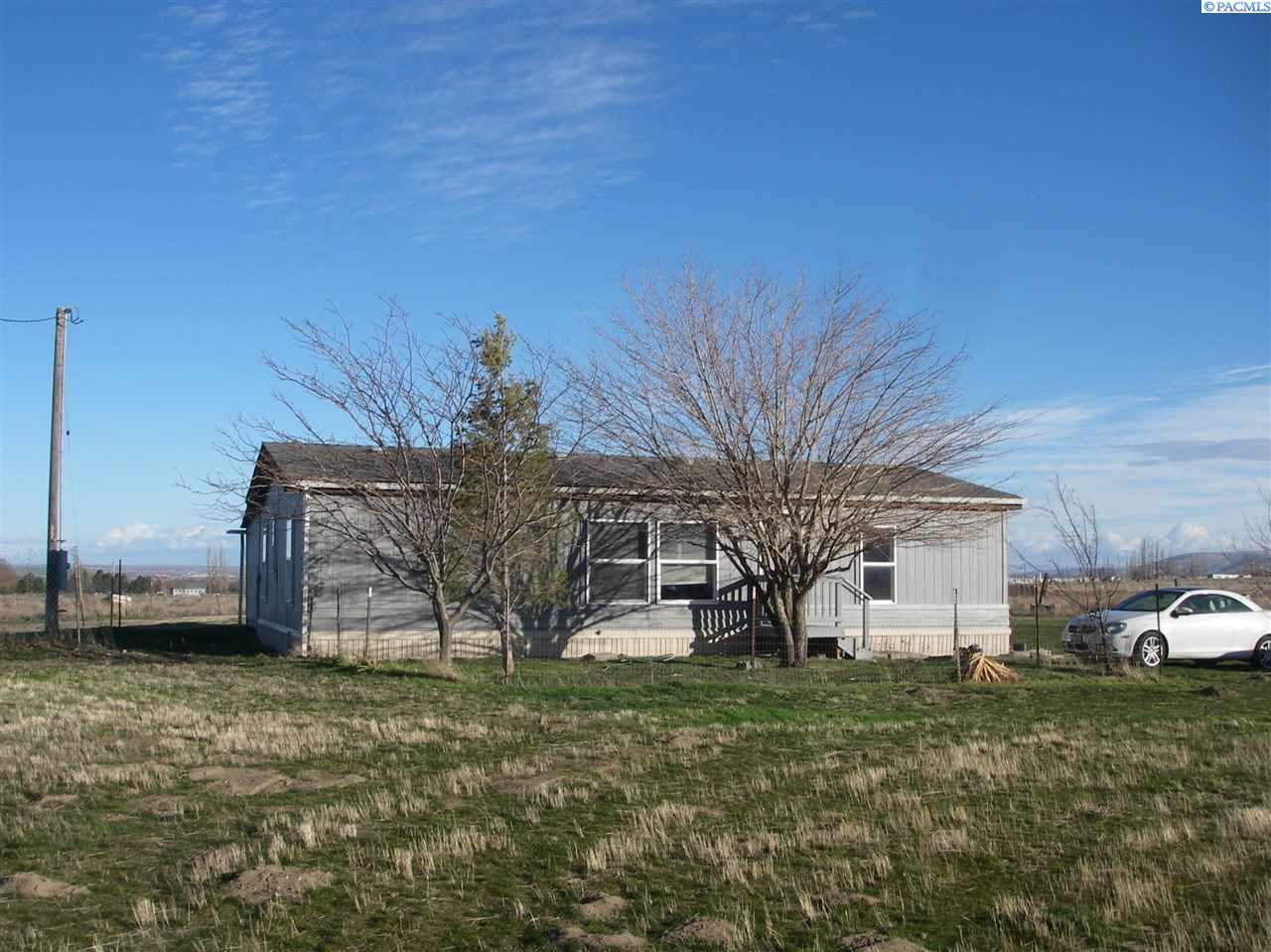Single Family Home for Sale at 50105 S Carrol Prse 50105 S Carrol Prse Finley, Washington 99337 United States
