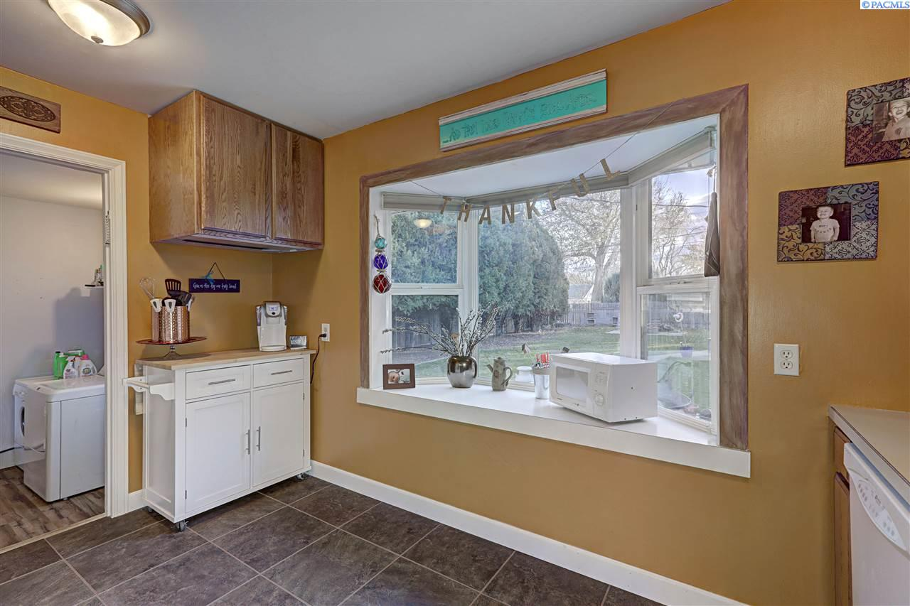 Additional photo for property listing at 2025 W 3rd Avenue 2025 W 3rd Avenue Kennewick, Washington 99336 United States