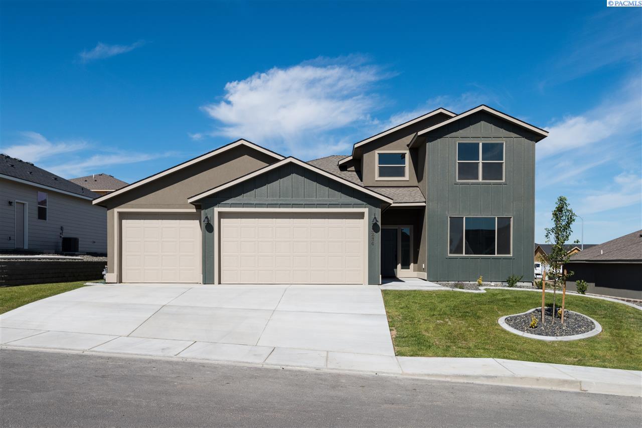 Single Family Home for Sale at 3234 S Van Buren Street 3234 S Van Buren Street Kennewick, Washington 99338 United States