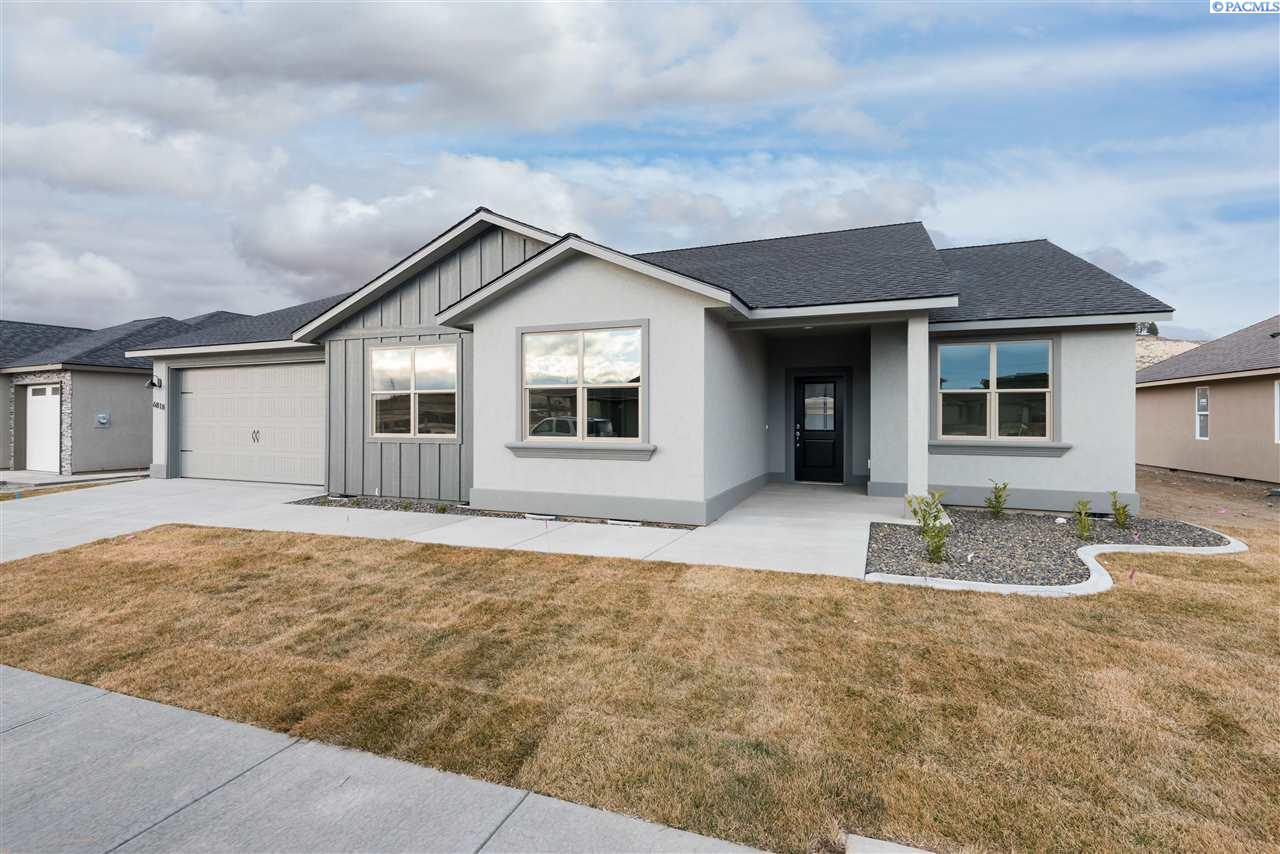 Single Family Home for Sale at 6818 W 31st Avenue 6818 W 31st Avenue Kennewick, Washington 99338 United States