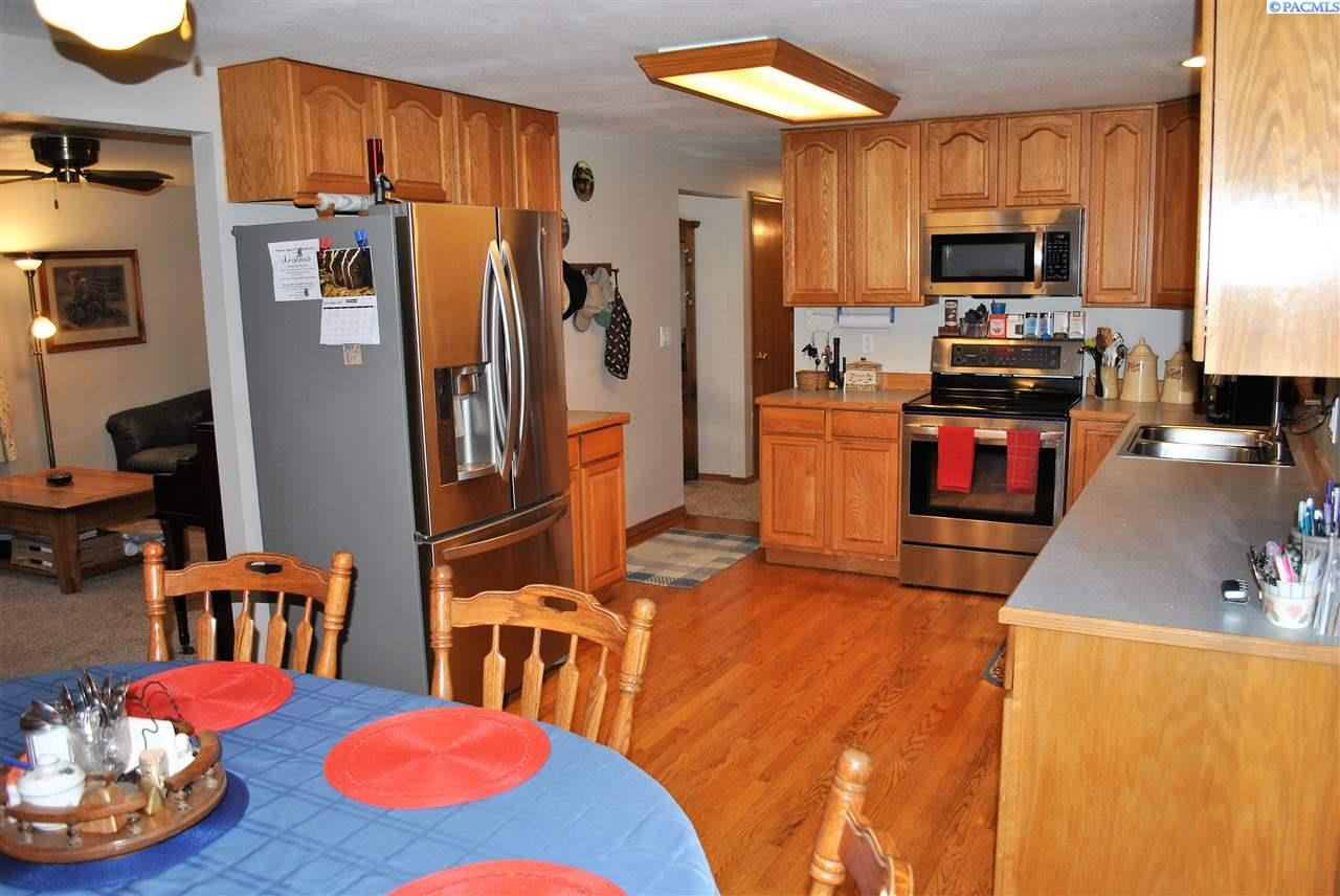 Additional photo for property listing at 2451 Banner 2451 Banner Pullman, Washington 99163 United States