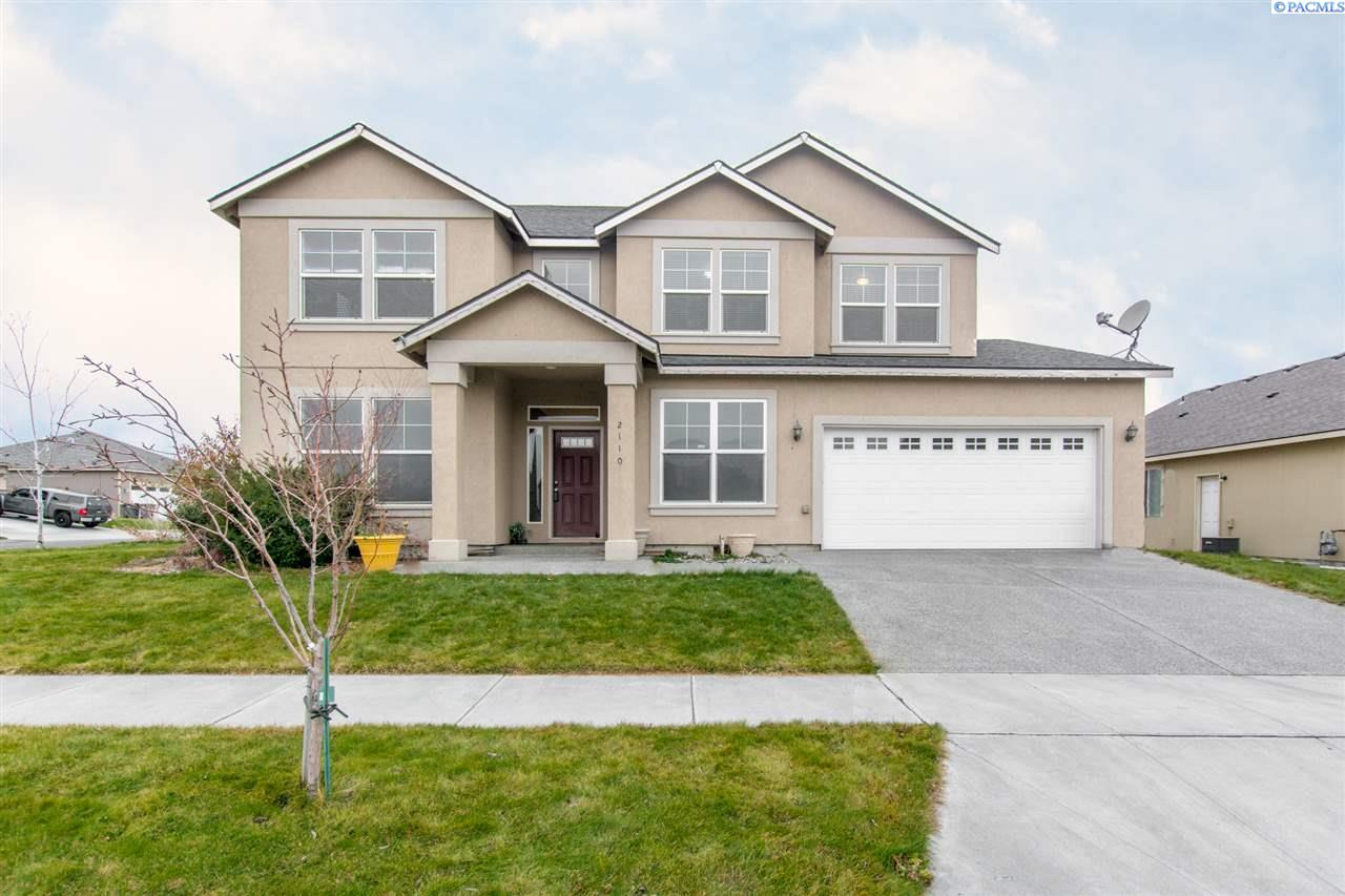 Single Family Home for Sale at 2110 S Quillan St 2110 S Quillan St Kennewick, Washington 99338 United States