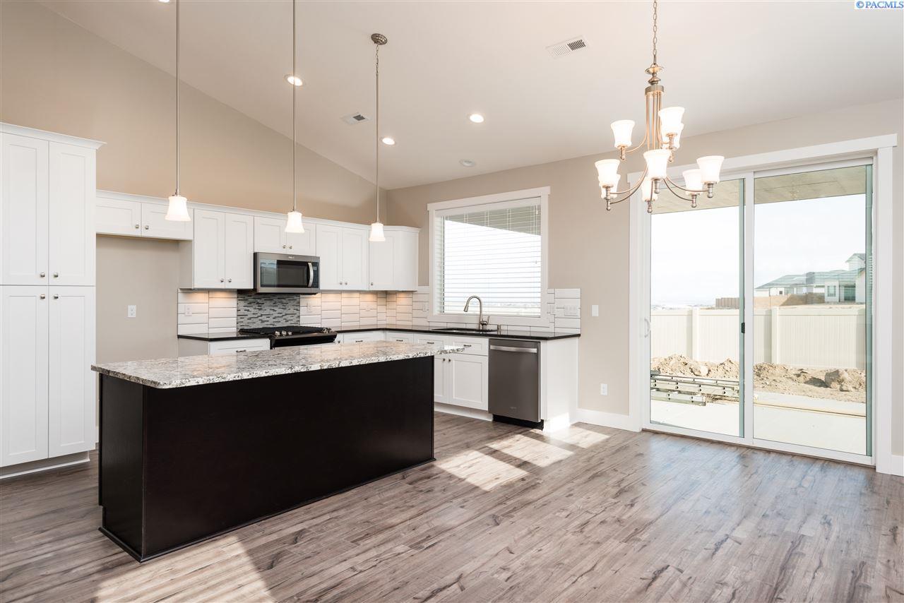 Single Family Home for Sale at 3727 S Sherman 3727 S Sherman Kennewick, Washington 99336 United States