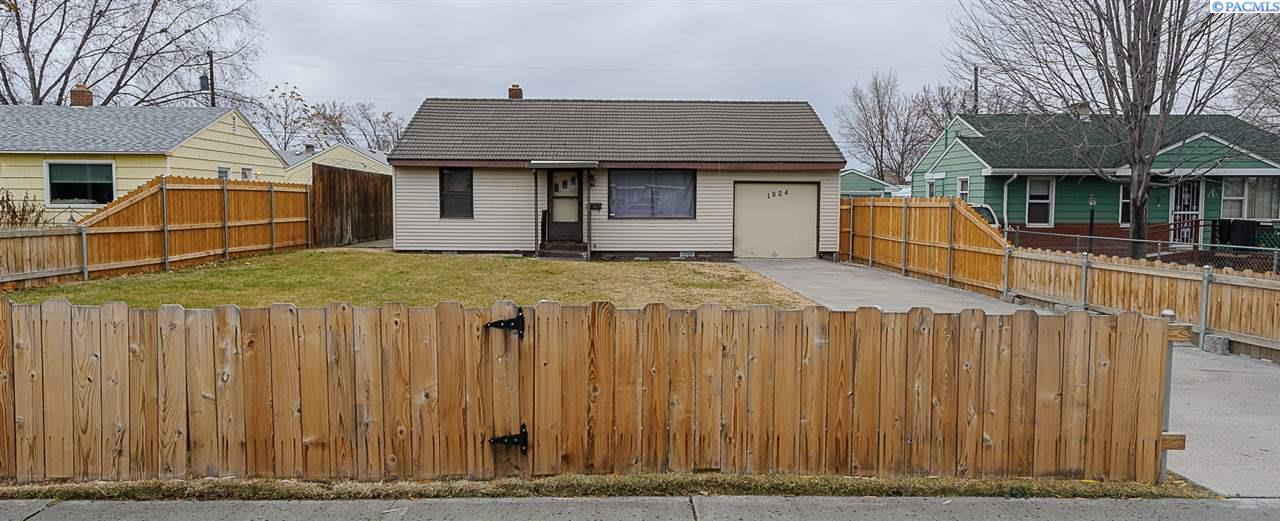 Single Family Home for Sale at 1824 W 6th Ave 1824 W 6th Ave Kennewick, Washington 99336 United States