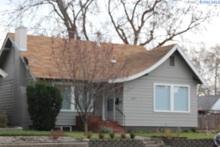 Single Family Home for Sale at 1127 8th Street 1127 8th Street Lewiston, Idaho 83501 United States