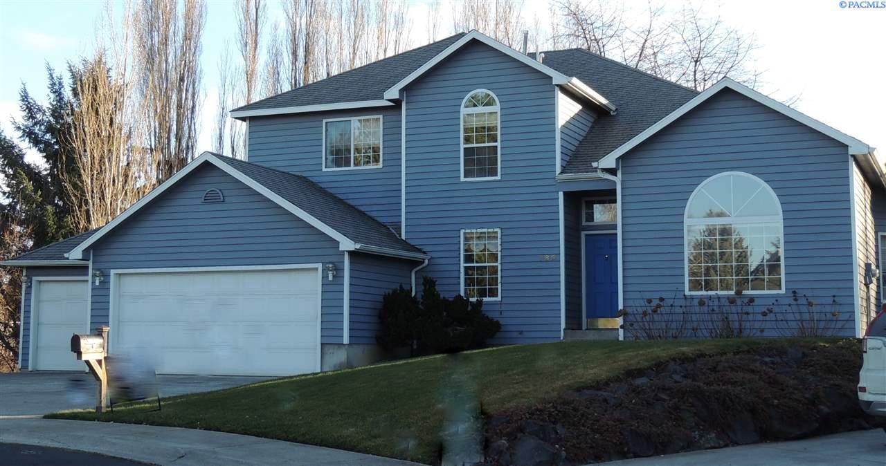 Single Family Home for Sale at 785 SE Sherwood Ct 785 SE Sherwood Ct Pullman, Washington 99163 United States