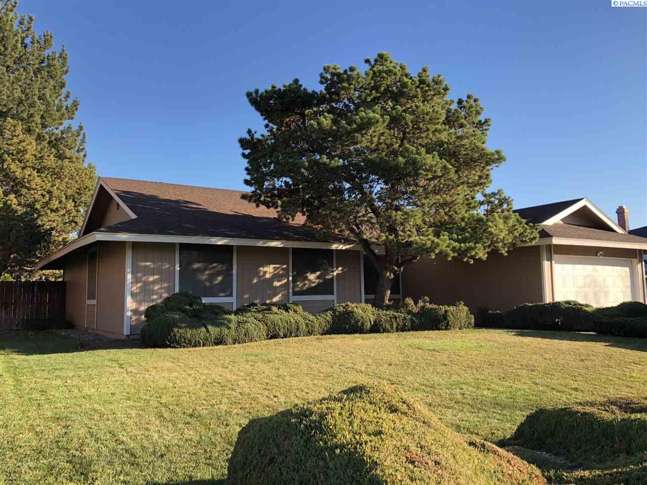 Single Family Home for Sale at 517 Doubletree Court 517 Doubletree Court Richland, Washington 99354 United States
