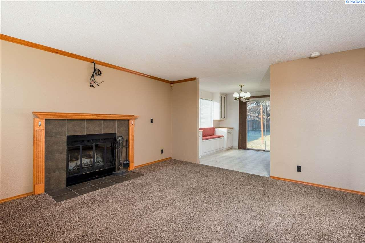 Additional photo for property listing at 1217 12th Street 1217 12th Street Benton City, Washington 99320 United States
